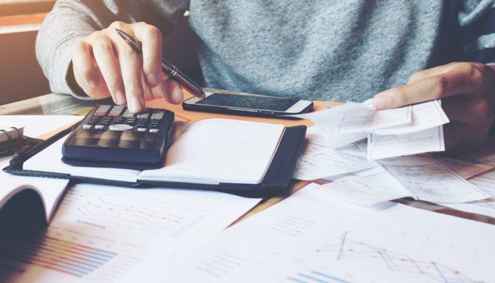 Como otimizar o controle de contas a pagar e receber?